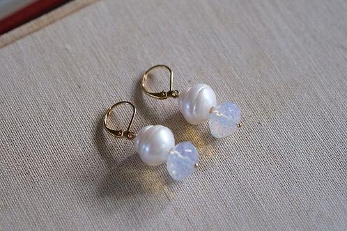 Magnesite & Pearl