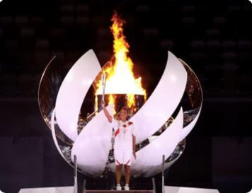 英語の記事を読もう BBC 大坂なおみ選手がオリンピックの炎を灯す感動的なセレモニーで2020年大会がスタート