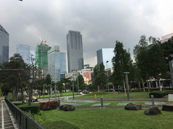 Maridien前の公園