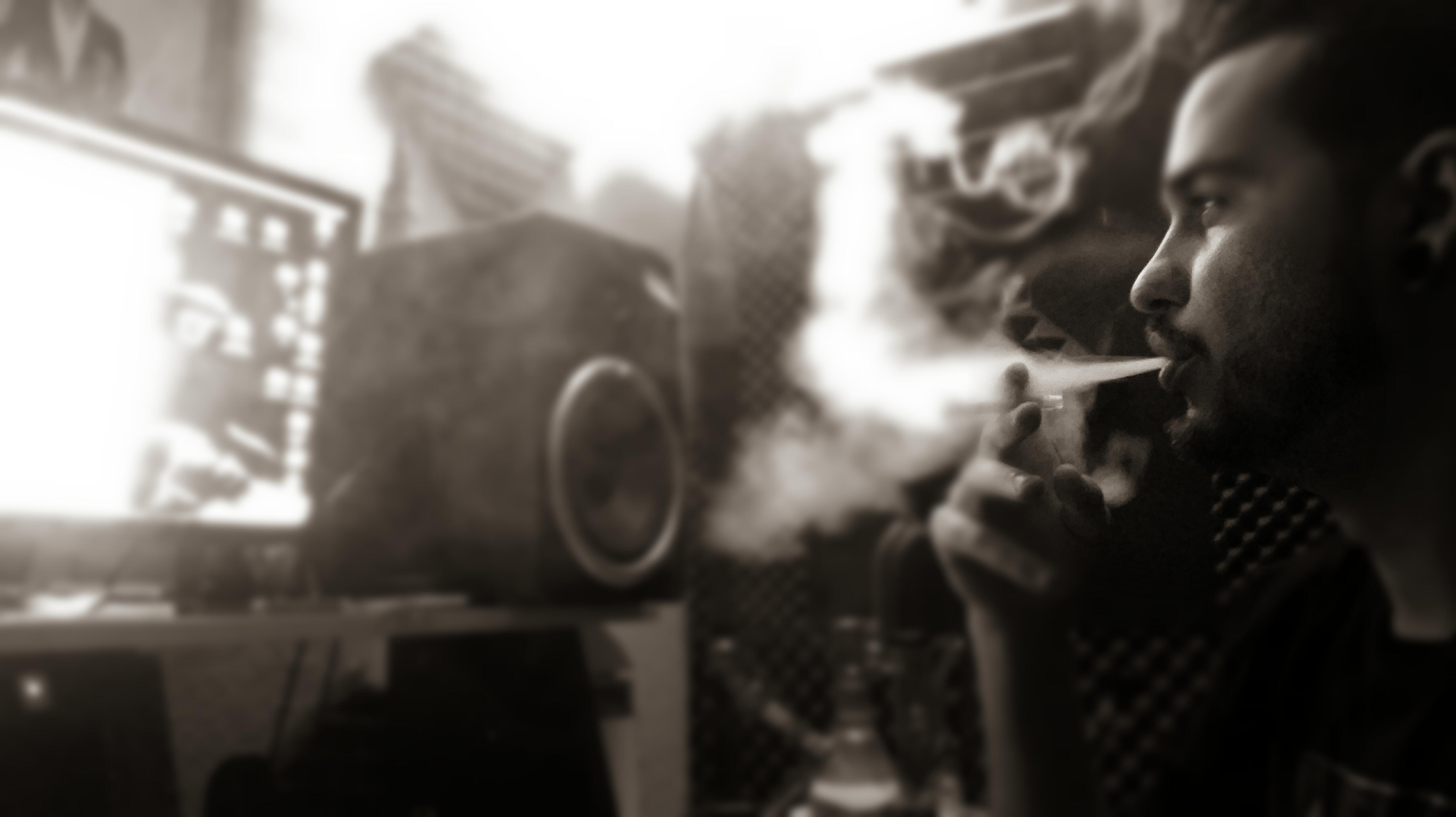 smoke and toke lounge...