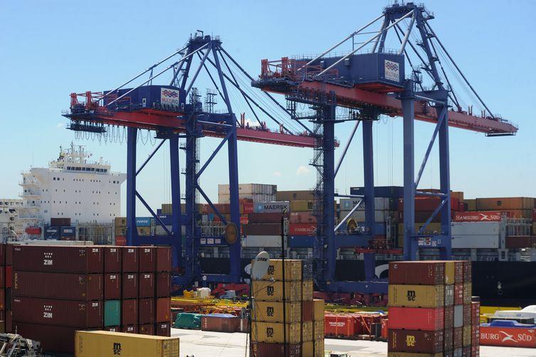 Em 20 anos, Brasil conquistou 50 mercados e passou a exportar o que comprava fora, como trigo - Arquivo/Agência Brasil