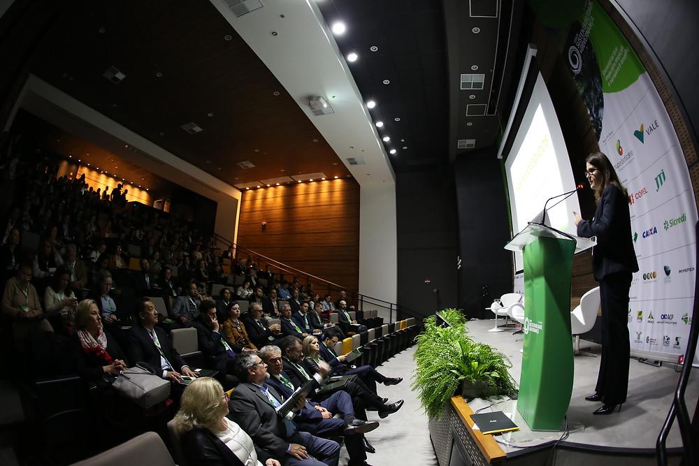 O assunto foi debatido no primeiro dia do 7º Fórum Sustentabilidade e Governança em Curitiba, evento que reúne lideranças empresariais do país em uma intensa discussão de conteúdos até amanhã, 22.