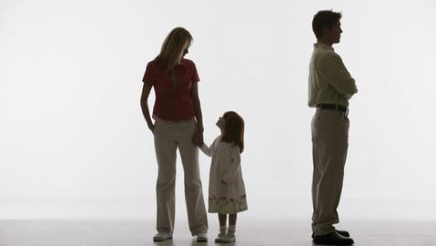 """El Tribunal Supremo: """"no debe incapacitarse a una persona por conflicto de intereses con la familia"""""""