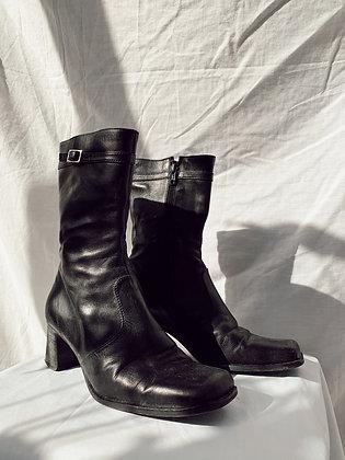 Onyx Boots