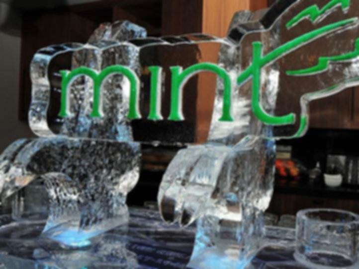 Your choice of ice sculpture focal point