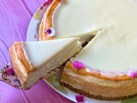 עוגת גבינה ושוקולד לבן אפוייה לפסח