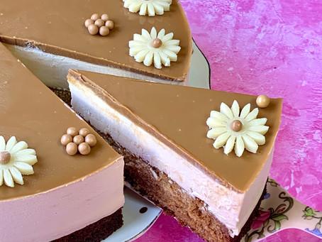 עוגת מוס לוטוס ודבש