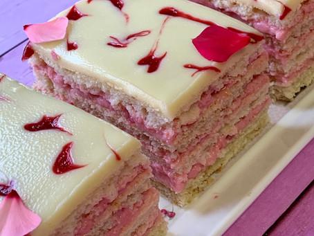 עוגת שכבות ליצ'י פטל