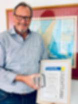 Uli Kauffmann mit dem Preis der Friedrich-Naumann Stiftung