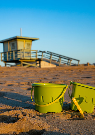 Pop Beach Rentals - 2 Shovels 2 Pail rentals $5