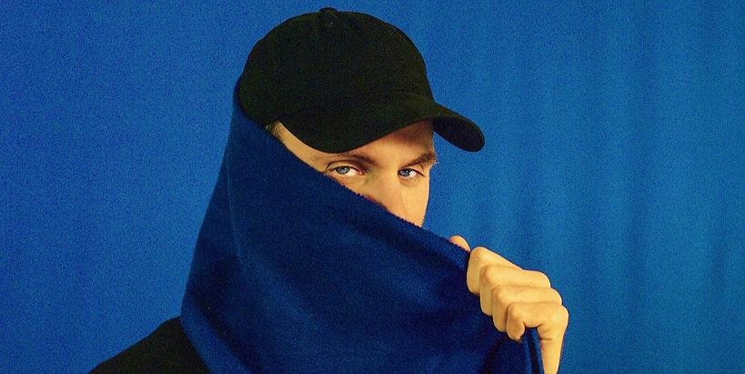 BB_BlueScarf%20Socials%20(c)%20Freddie%2