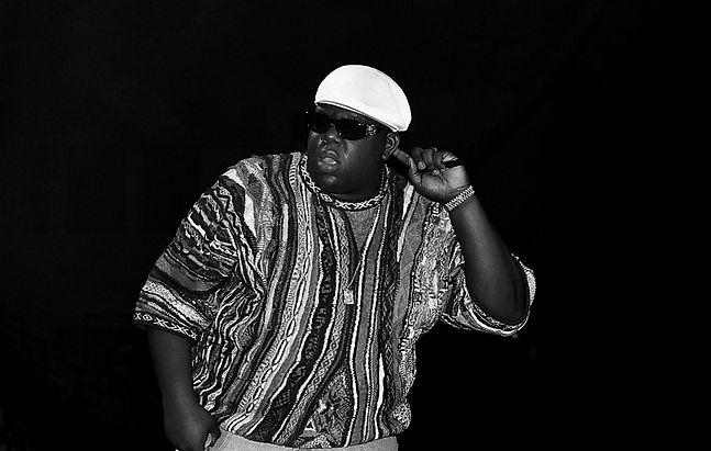 Notorious-BIG-performing-in-1995.jpg