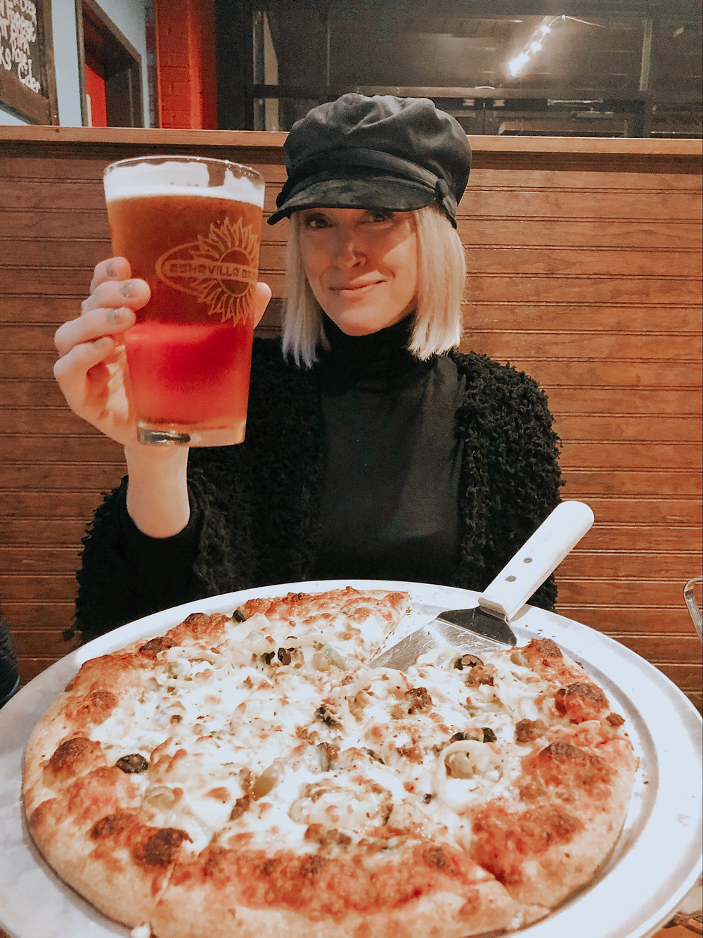 Asheville Brewing Company mad Mushroom pizza and 828 Pale Ale