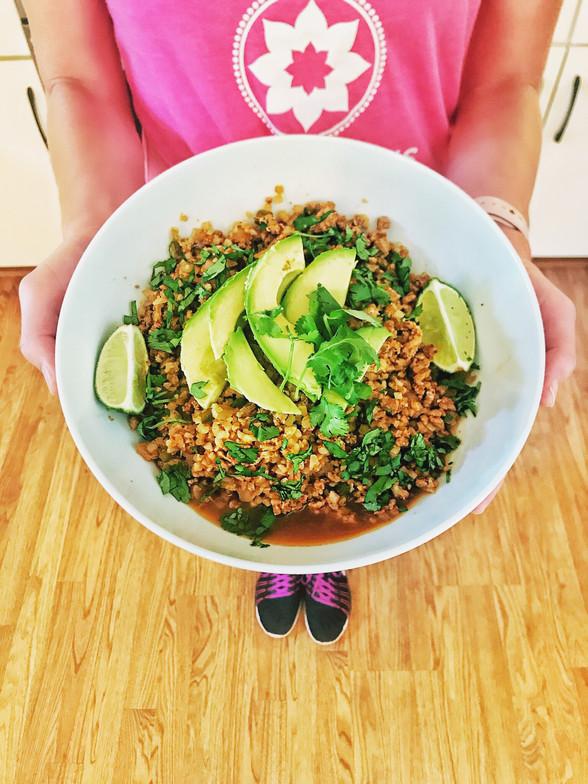 Low Carb Quick Meal Idea: Taco Cauliflower Bowl
