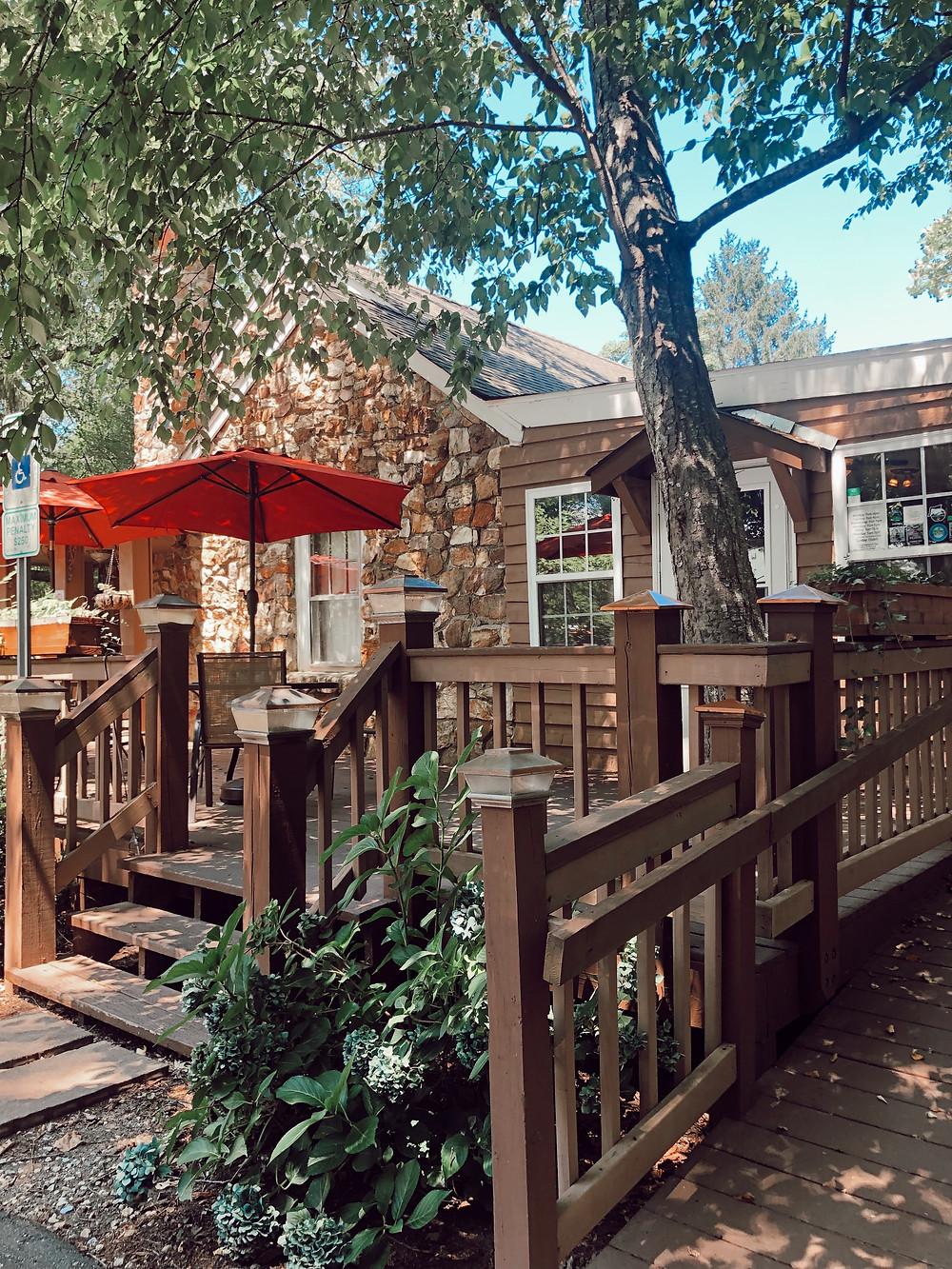 Ivory Road restaurant, South Asheville, Asheville's Hidden Gems, Best Local Restaurants and Breweries, Local Favorites, Asheville Lifestyle Blog, Travel Guide