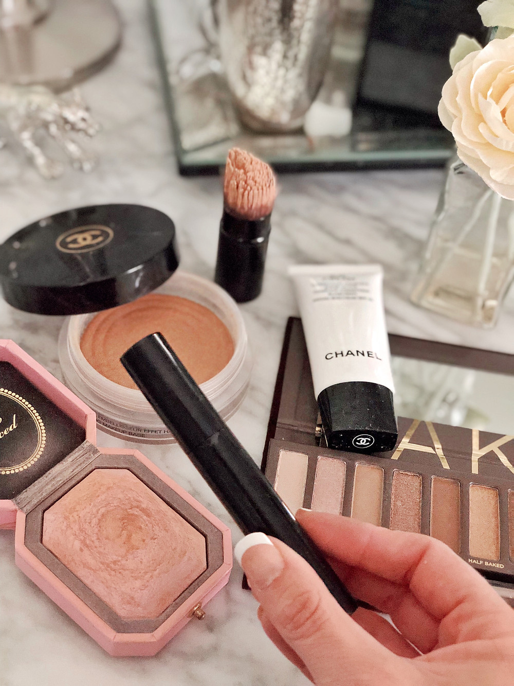 Five minute daytime makeup routine using five products, beauty and fashion blogger, Tony Townie