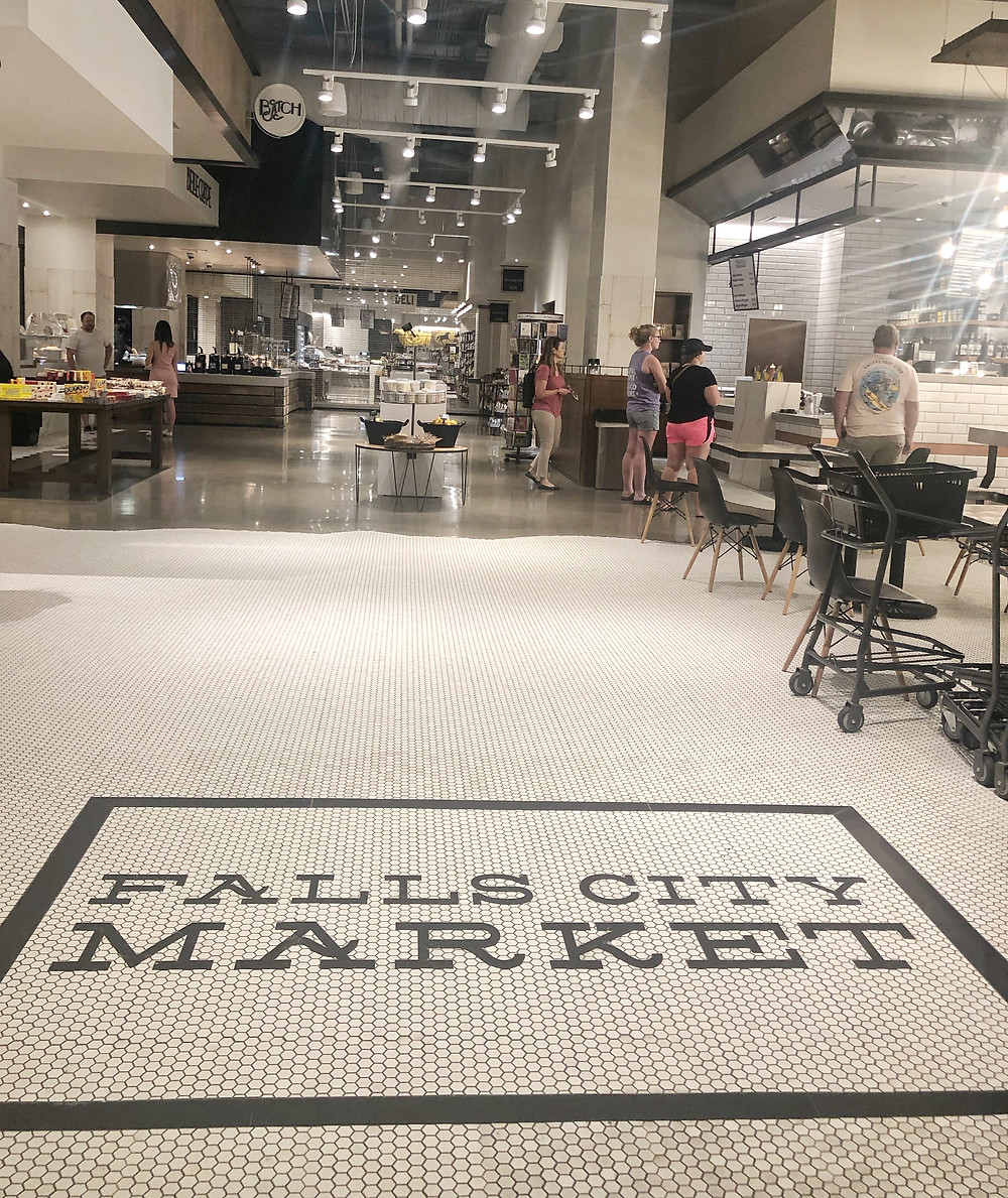 Falls City Market in Omni Hotel Louisville, Bourbon Trail travel guide, where to stay in Louisville, travel blog