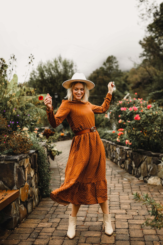 Thanksgiving outfit ideas, casual fall dresses, H&M orange polka dot dress, fashion blog, wardrobe stylist, Asheville NC
