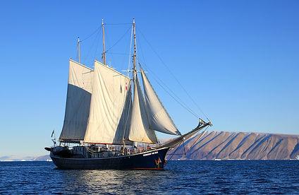 sailboat-459794_1920.jpg