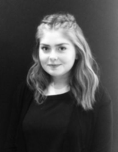 Louise - apprentice at Samantha Elizabet
