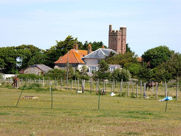 The tower of Cakeham Manor House (David Smith, CC BY-SA 2.0)