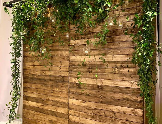 8ft Farm Wood Backdrop with Overhang