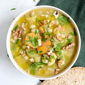 Soupe détox poireaux, carottes & haricots blancs non mixées