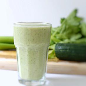 Smoothie vert céleri, concombre & kiwi
