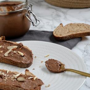 Pâte à tartiner aux dattes et amandes