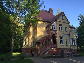 Villa_front.jpg