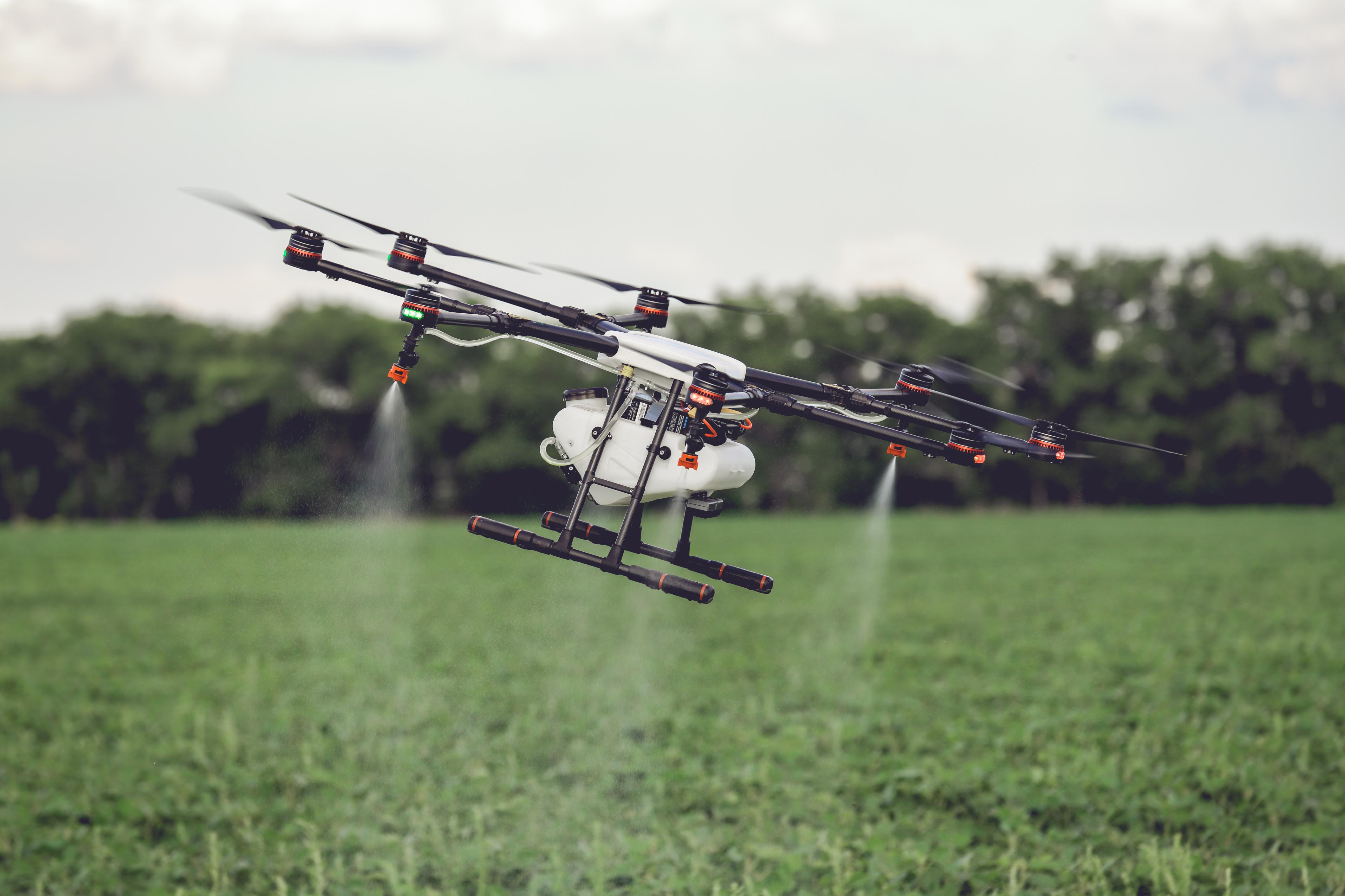 Drone aspersor para agricultura
