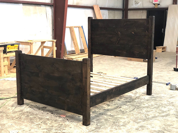 The Traditional Farmhouse Bed (5 Size Options)