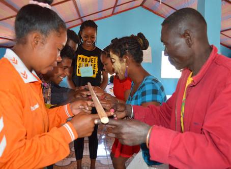 L'ONG Blue Ventures fait appel à Projet Jeune Leader pour des séances de renforcement de capacité