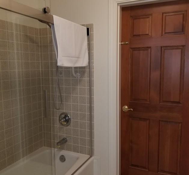 Fennec bathroom 2.jpg