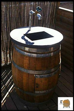 כיור בטון על חבית בירה