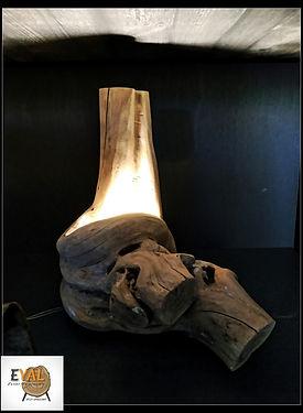 מנורת שולחן מעוצבת מעץ טבעי