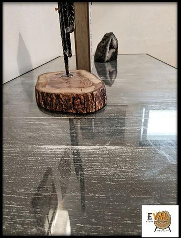 שידת עץ צבוע משופשף מסגרת ורשת ברזל