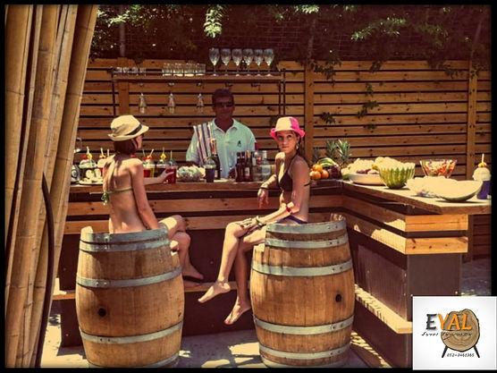 כיסאות בר מחביות יין ובר