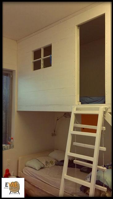 מיטת בית עץ