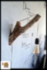 מנורת קיר מעוצבת מעץ טבעי