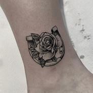 Horseshoe & Rose