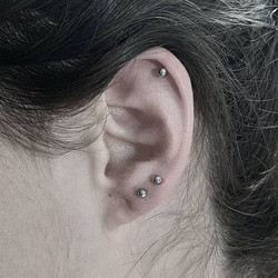 Double Lobe & Helix Piercing