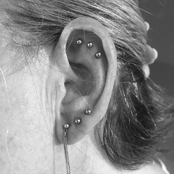 3 Scapha & 2 Lobe piercings