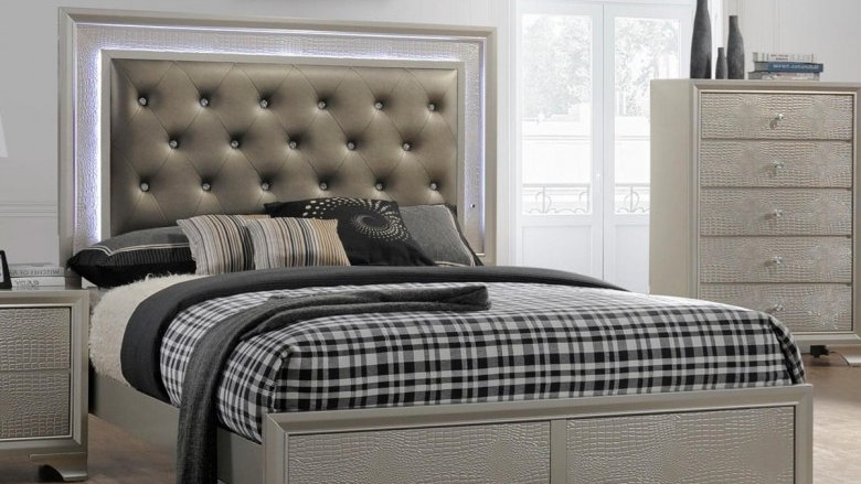 Crown Mark Lyssa Queen Bed