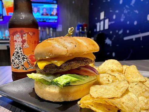 classic burger 3.jpg