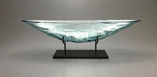 22 Inch Ocean Breeze Boat with Granit Pedestal