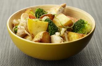 Gewokte aardappeltjes met kip