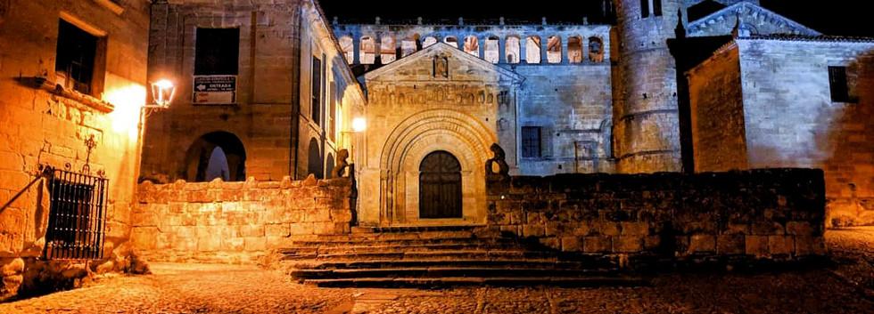 colegiata noche Santillana
