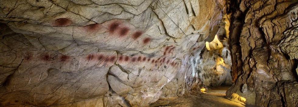Cueva El Castillo