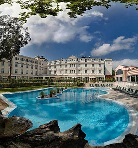 2 nights in hotel & Spa Solares *** & private tour to Comillas